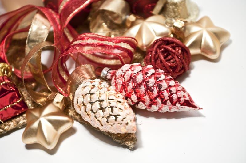 Weihnachtsdekoration im Rot lizenzfreies stockbild