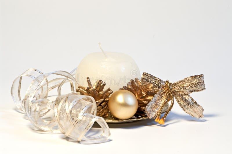 Weihnachtsdekoration mit Farbband stockbild