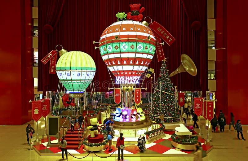 Weihnachtsdekorationen an cityplaza Mall, Hong Kong stockbild