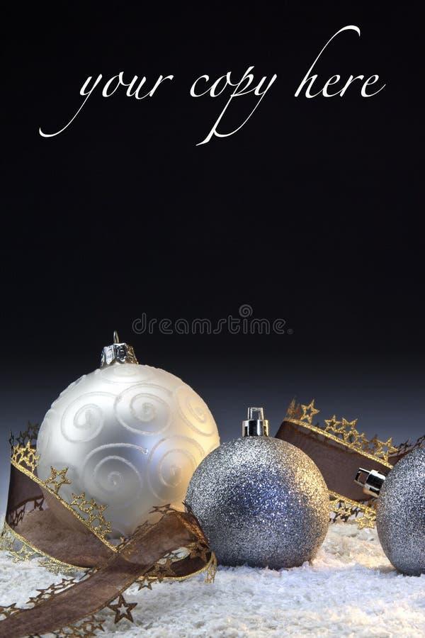 Weihnachtsdekorationen mit Platz für Exemplar stockbild