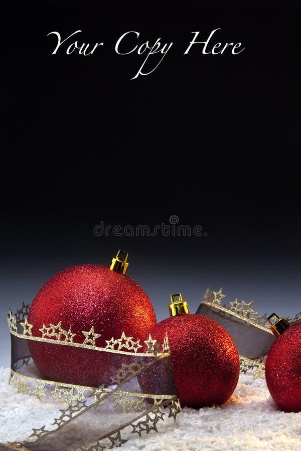 Weihnachtsdekorationen mit Platz für Exemplar stockfotos