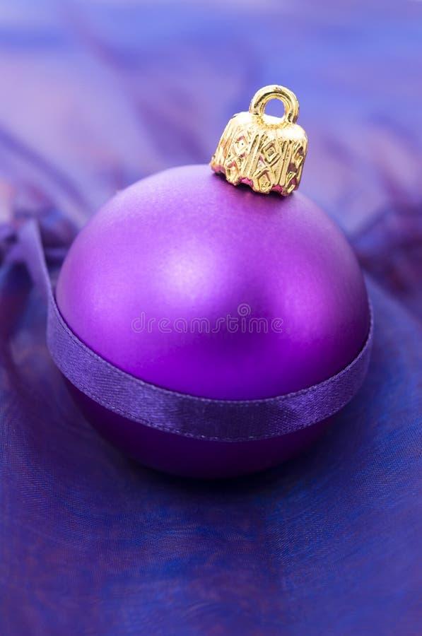 Weihnachtsdekorationkugel stockbild