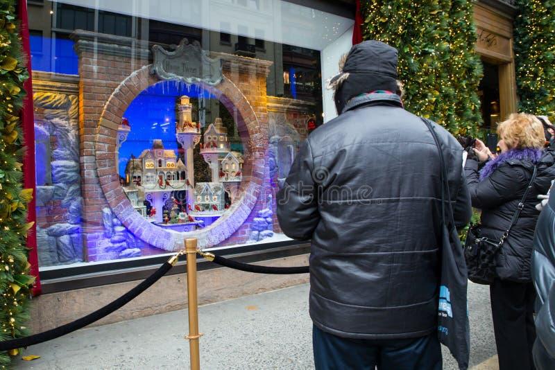Weihnachtsfenster-Anzeigen-Lord u. Taylor NYC lizenzfreies stockfoto