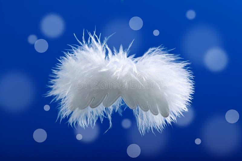 Weihnachtsflaumiger Engel lizenzfreie stockbilder