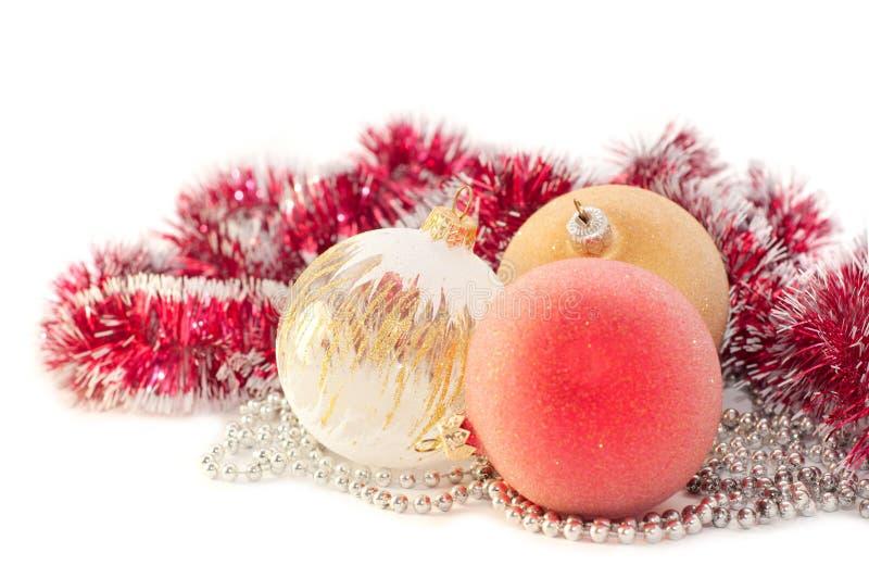 Weihnachtsflitter auf weißem Hintergrund stockfotos