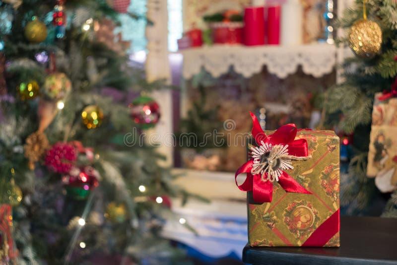 Weihnachtsgeschenk 2016 lizenzfreie stockfotografie