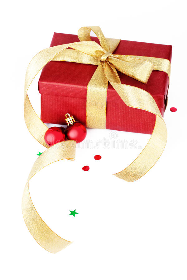Weihnachtsgeschenk mit Kugel stockbilder