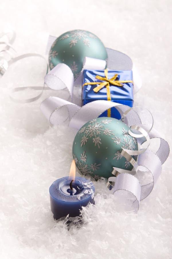 Weihnachtsgeschenk und -verzierungen lizenzfreie stockfotos
