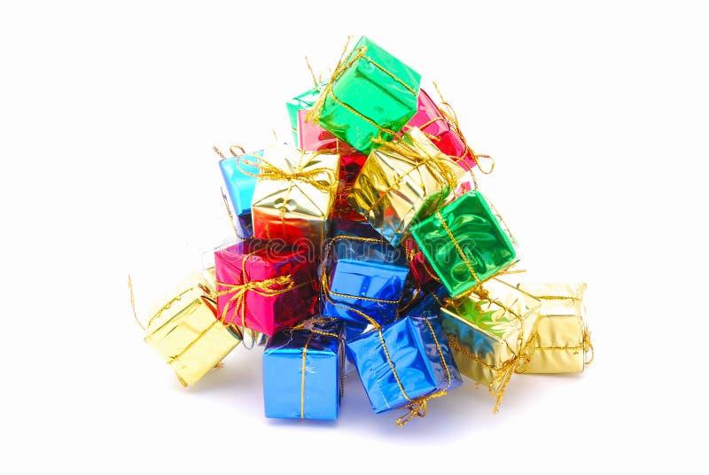 Download Weihnachtsgeschenke stockfoto. Bild von saisonal, pakete - 12201220
