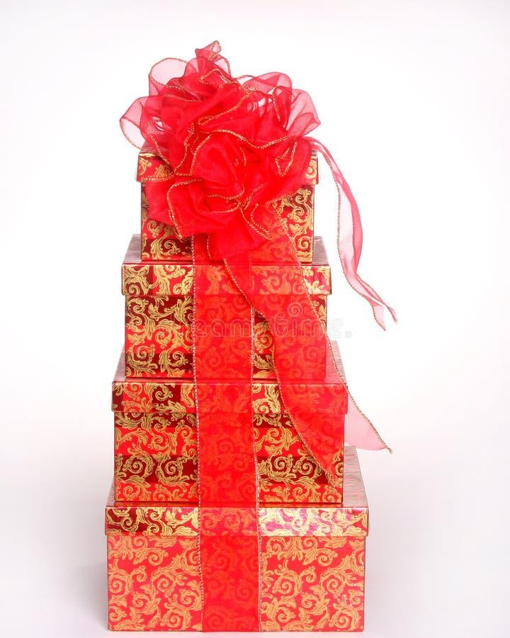 Weihnachtsgeschenke getrennt auf Weiß lizenzfreies stockfoto
