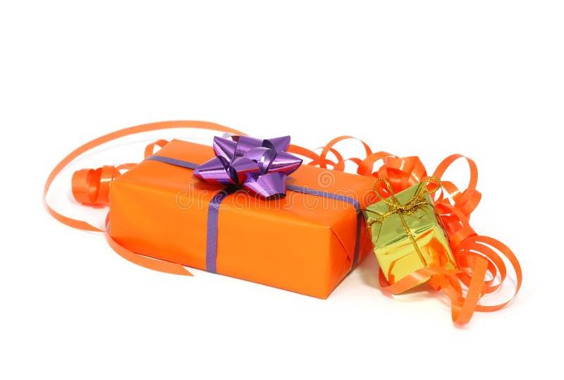 Download Weihnachtsgeschenke Getrennt Auf Weiß Stockbild - Bild von schön, kasten: 27730537