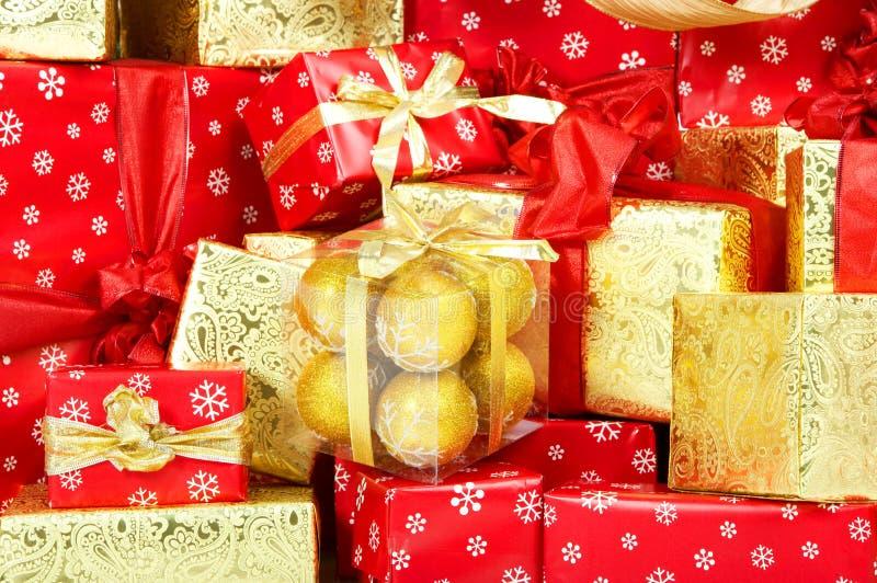 Weihnachtsgeschenke und Geschenke. lizenzfreie stockfotos
