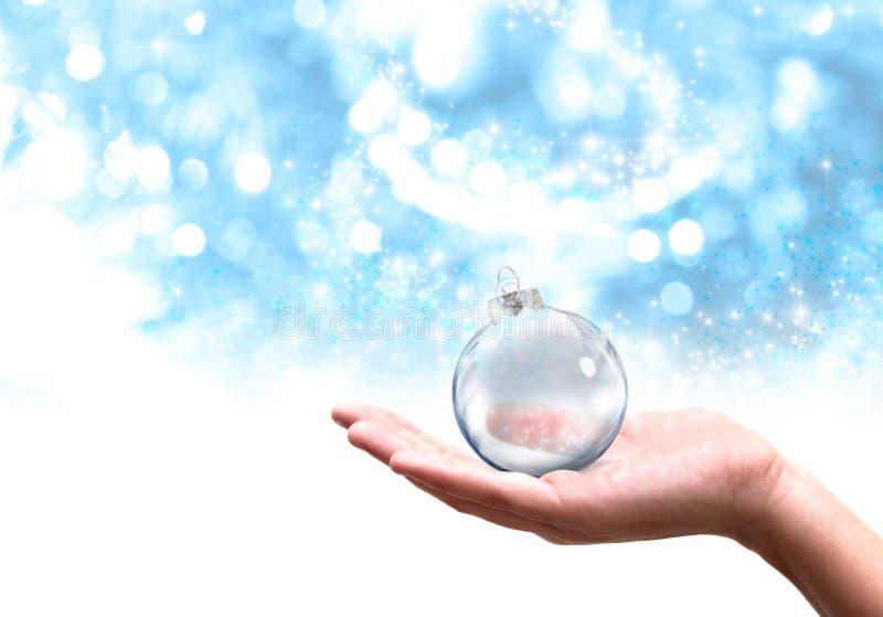 Weihnachtsglaskugel stockbild