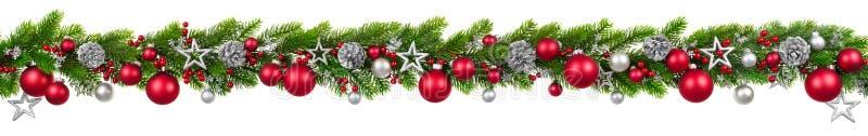 Weihnachtsgrenze auf Weiß, hängende verzierte Girlande lizenzfreie stockfotografie