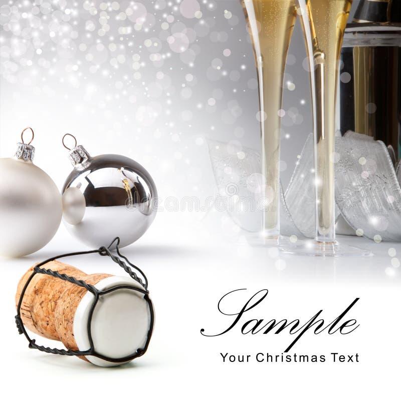 Weihnachtsgrußkarte mit Baumkugeln lizenzfreies stockbild