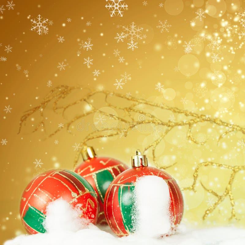 Download Weihnachtshintergrund Mit Nahaufnahme Auf Dekorationen: Goldener Chris Stockfoto - Bild von postkarte, kugel: 47100178