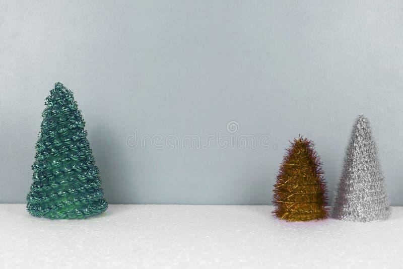 Weihnachtshintergrund mit Tannenbaumspielwaren stockbilder