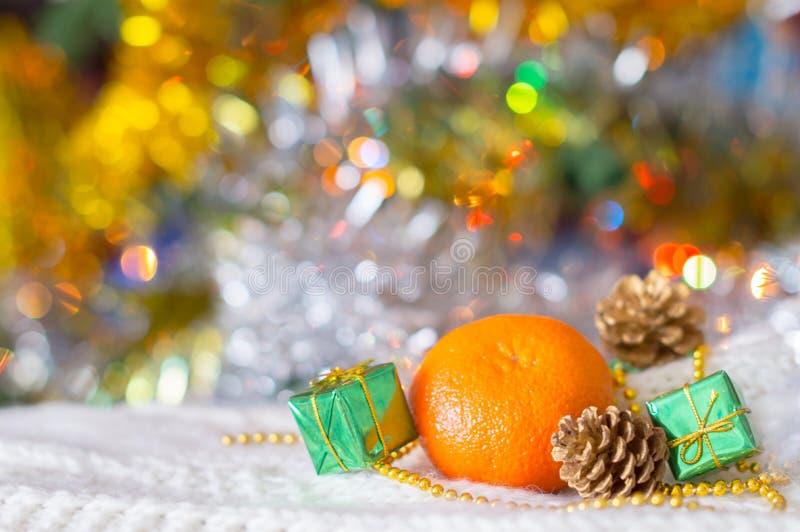Weihnachtshintergrund, Weihnachtsdekorationen, Tangerinen lizenzfreies stockbild