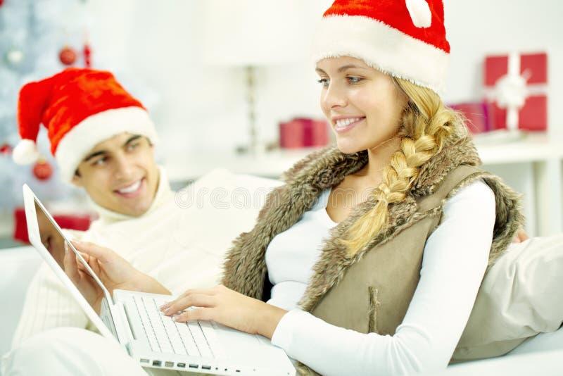Weihnachtsinternet-Markt stockfoto