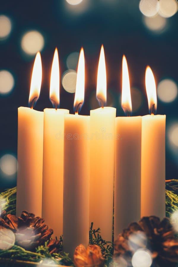Weihnachtskerzen und -leuchten stockbilder