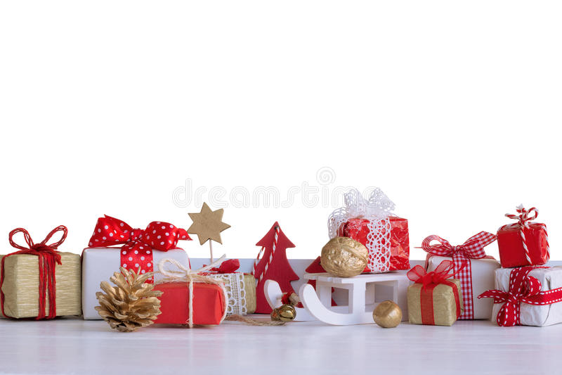 Weihnachtskleine Geschenkboxen und Weihnachtsdekorationen lizenzfreie stockfotos
