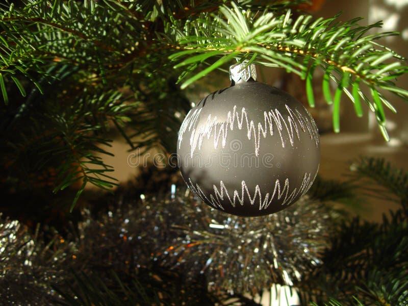Download Weihnachtskugel stockfoto. Bild von kugel, winter, baum - 38816