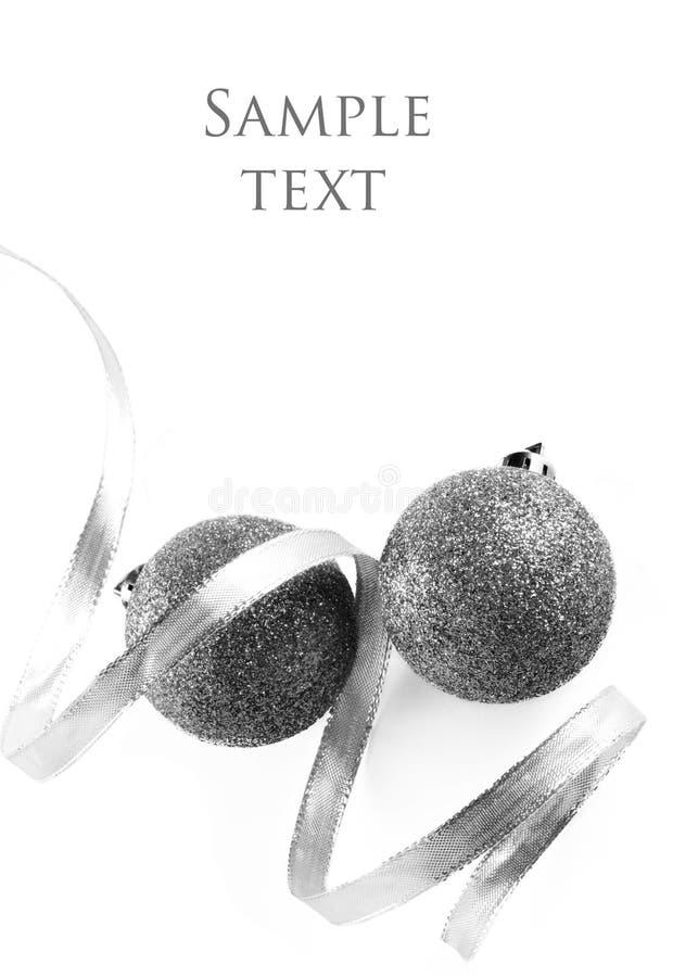 Weihnachtskugeln auf weißem Hintergrund lizenzfreie stockfotografie