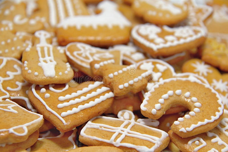 Weihnachtslebkuchen-Plätzchen stockbilder