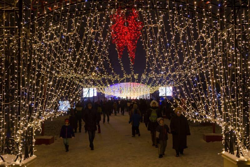 Weihnachtsleuchten und -dekorationen lizenzfreie stockfotografie