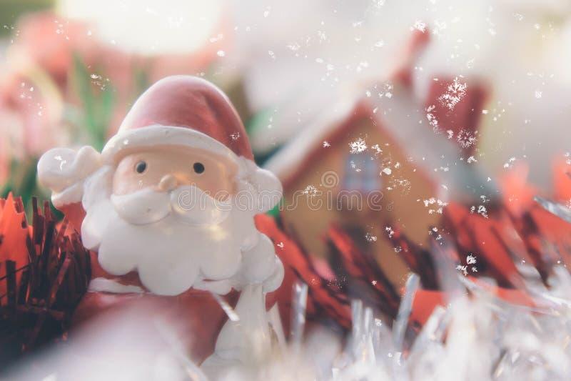 Weihnachtslicht- und Sankt-Puppenhintergrundweinlese reden christm an lizenzfreie stockbilder