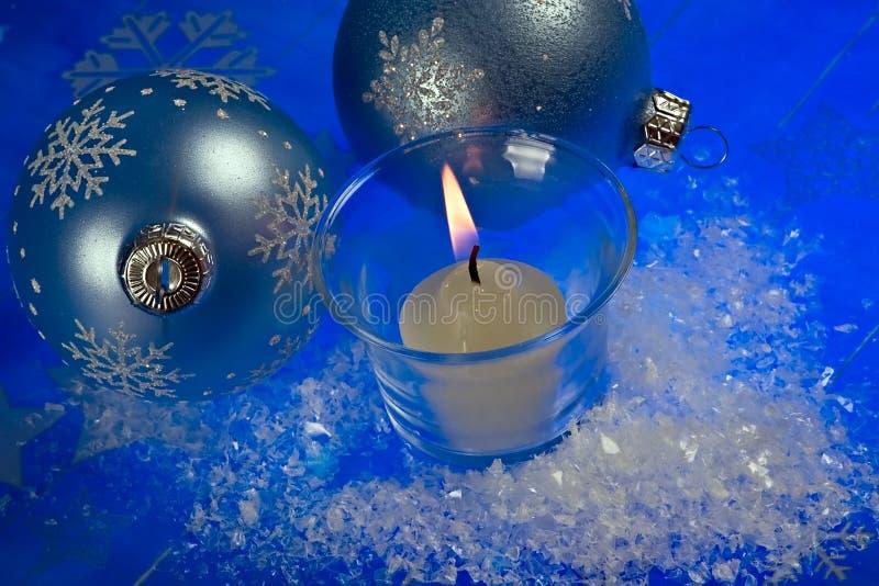 Weihnachtsmagiekerze lizenzfreie stockbilder