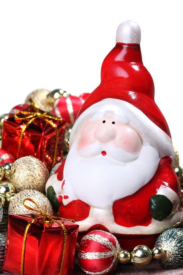 Weihnachtsmann mit Weihnachtsdekorationen stockfotos