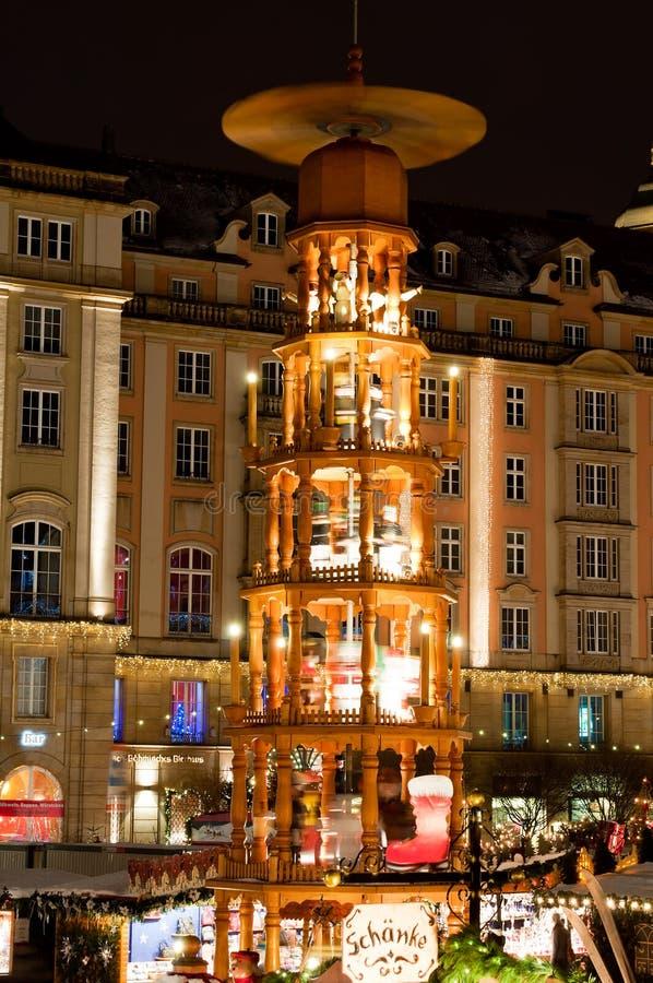 Weihnachtsmarkt in Dresden lizenzfreies stockbild