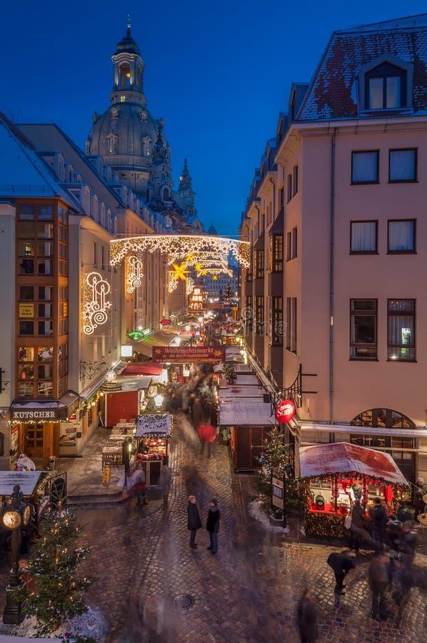Weihnachtsmarkt in Dresden lizenzfreie stockbilder