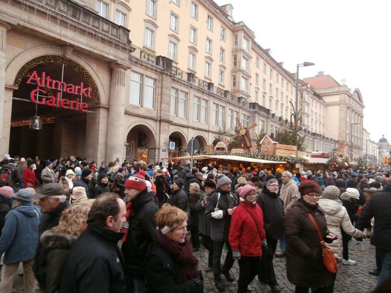 Weihnachtsmarkt in Dresden auf Altmarkt-Quadrat, Deutschland, 2013 stockfoto