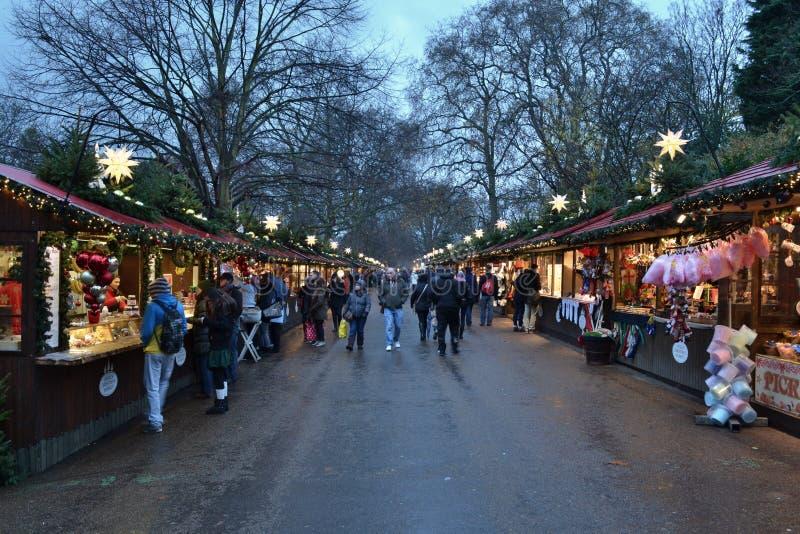 Weihnachtsmarkt Hyde Park London lizenzfreie stockfotos