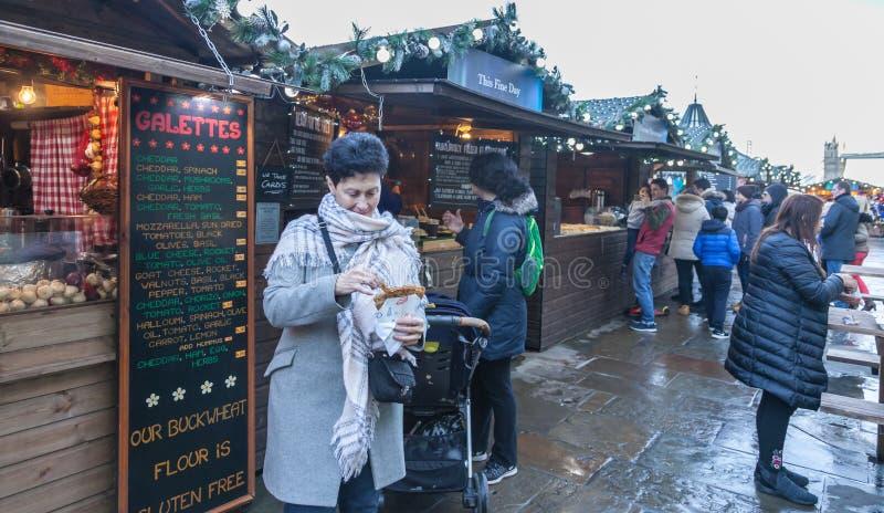 Weihnachtsmarkt in London lizenzfreies stockbild
