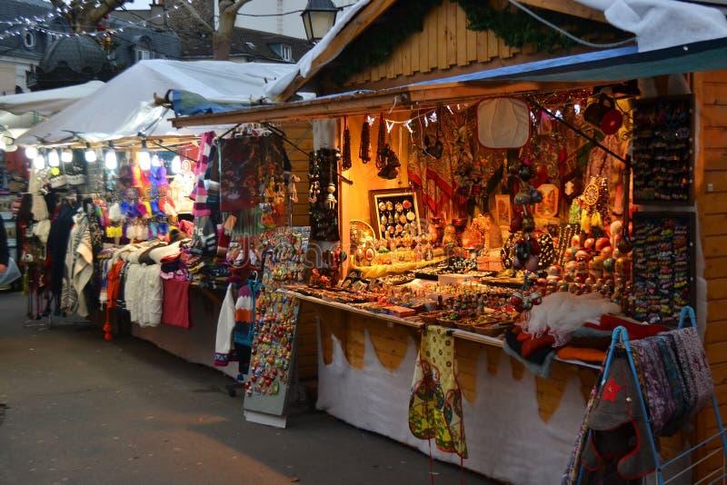 Weihnachtsmarkt in Paris lizenzfreie stockfotografie