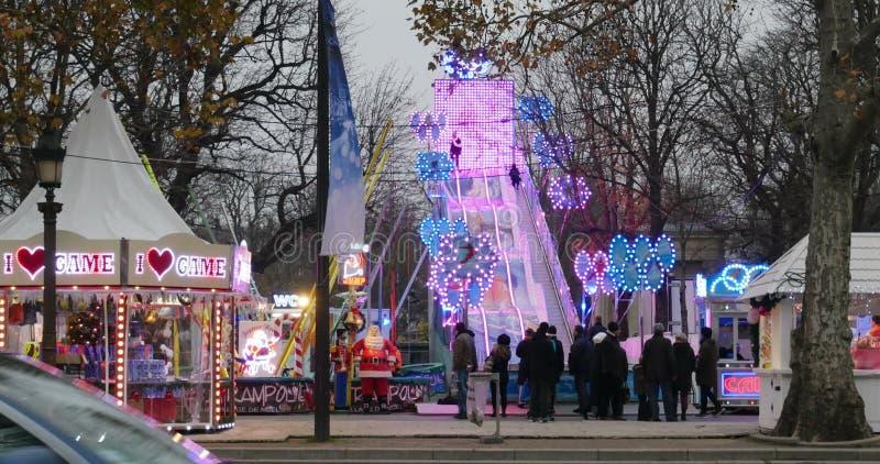 Paris Weihnachtsmarkt.Weihnachtsmarkt Timelapse Champs Elysees Paris
