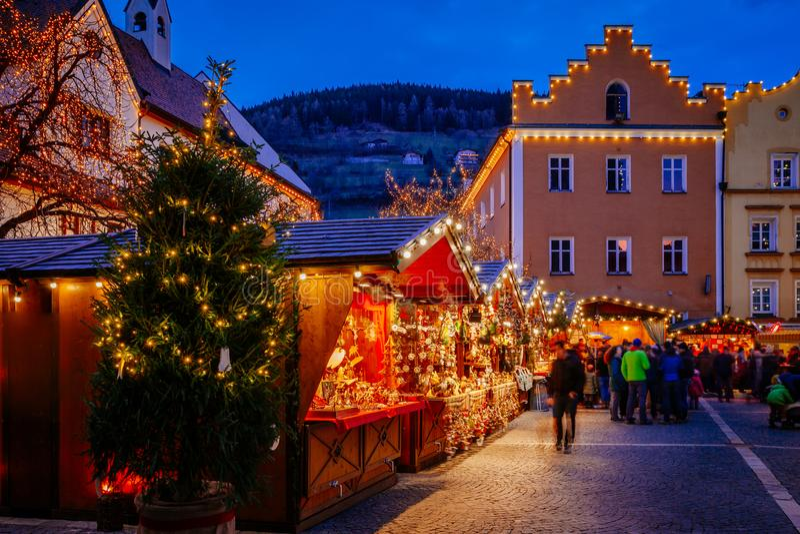Weihnachtsmarkt in Vipiteno, Bozen, Trentino Alto Adige, Italien stockfotografie