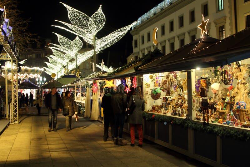 Weihnachtsmarkt In Wiesbaden Redaktionelles Foto Bild