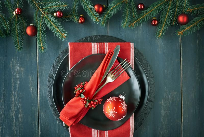 Weihnachtsmenükonzept auf dunklem Hintergrund lizenzfreies stockfoto