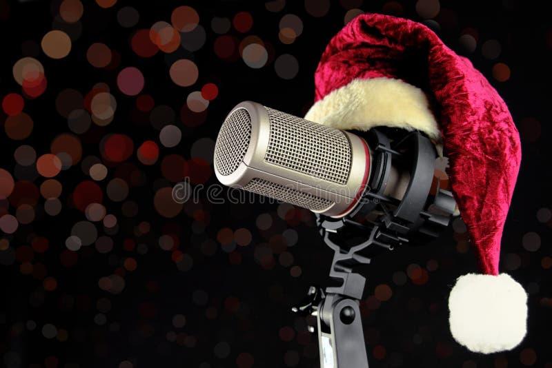 Weihnachtsmikrofon stockbild