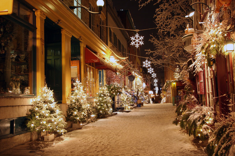 Weihnachtsnacht in Quebec City stockbild