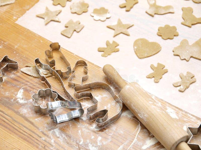 Weihnachtsplätzchen-Backen lizenzfreies stockfoto