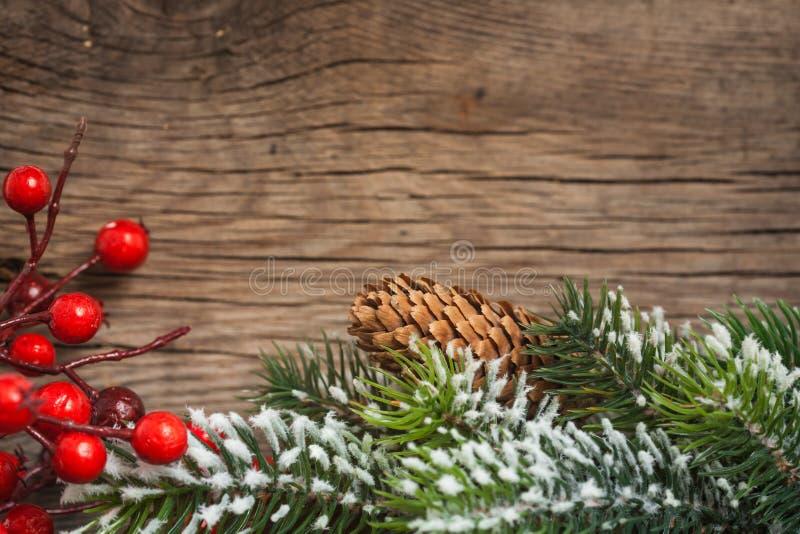 Download Weihnachtsrand stockfoto. Bild von baum, zweig, verzierung - 26357886