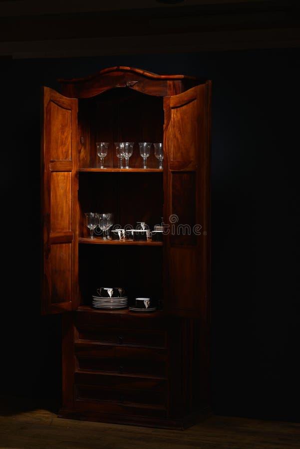 Weihnachtsromantische Dekoration mit schwarzem Braunem und rot zum Silber stockfotos
