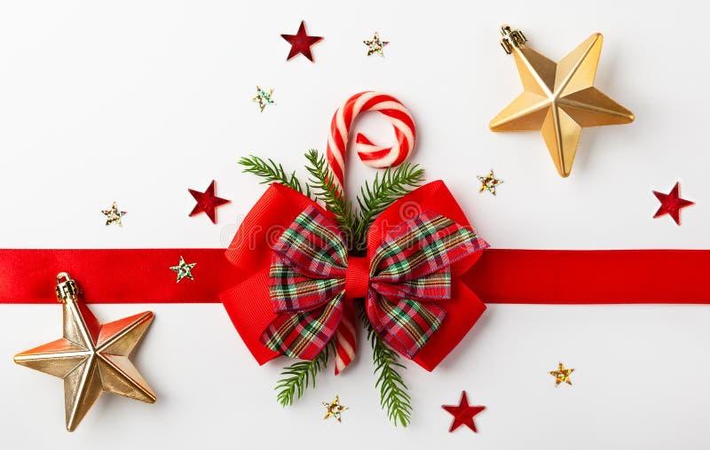 Weihnachtsrotes Farbband mit Bogen lizenzfreies stockfoto