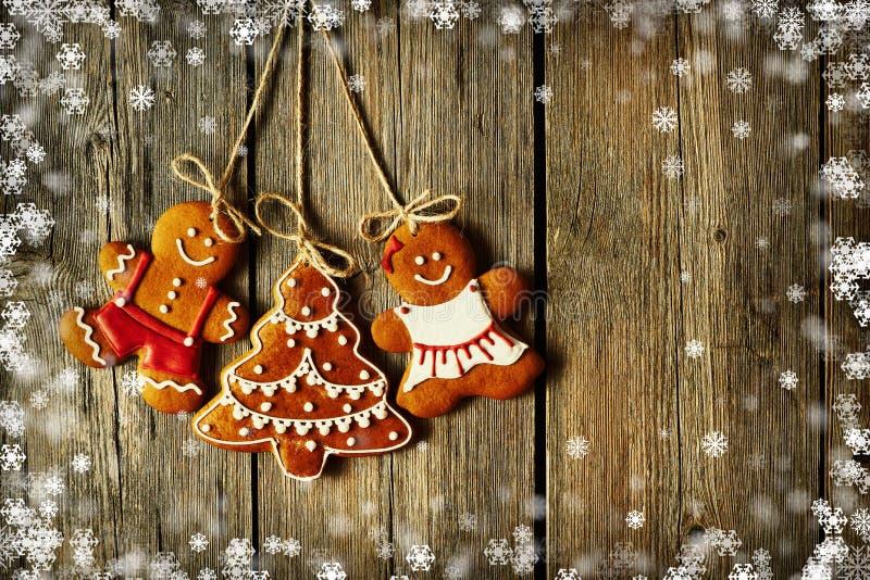 Weihnachtsselbst gemachte Lebkuchen-Paarplätzchen stock abbildung