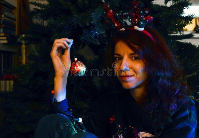 Weihnachtsspiritus? mit Sankt und Noel lizenzfreies stockfoto